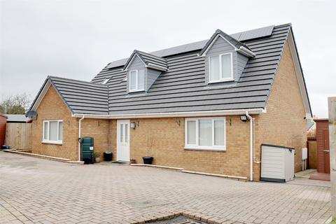 3 bedroom detached house for sale - Eskil Place, Great Torrington