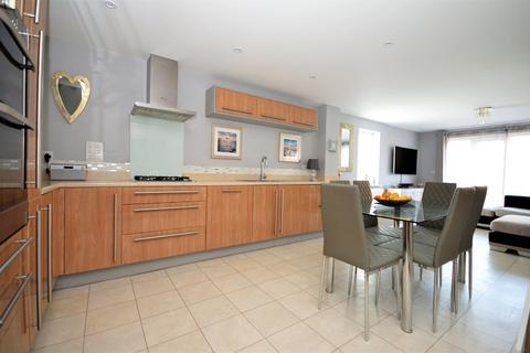 3 bedroom townhouse for sale - Cosens Way, Felpham, Bognor Regis