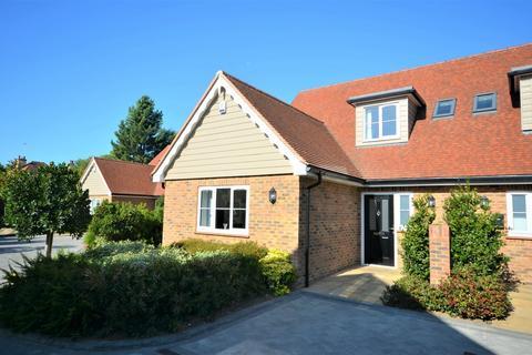 3 bedroom semi-detached house for sale - Fawkes Mews, Bognor Regis