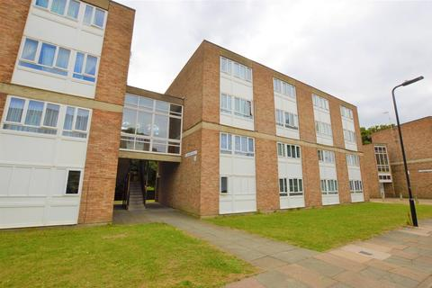 3 bedroom apartment to rent - St. Marys Avenue North, Southall