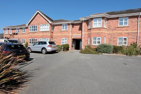 2 bedroom apartment to rent - Splash point, Hilton Drive, Rhyl