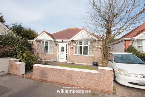3 bedroom detached bungalow for sale - Hadley Crescent, Rhyl