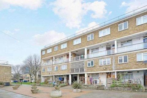 3 bedroom maisonette to rent - Wyllen Close, Cambridge Heath Road, Stepney Green, Whitechapel, Bethnal Green, London, E1 4HQ