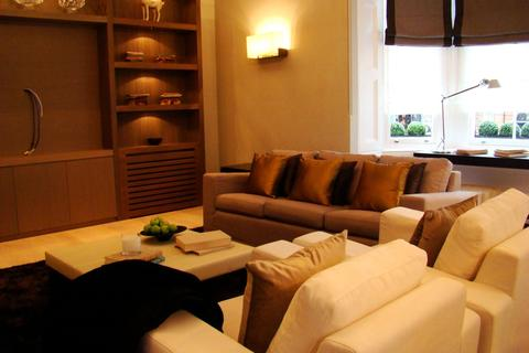 2 bedroom flat to rent - Cadogan Square, London, SW1X