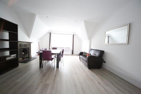 3 bedroom flat to rent - Platts Lane, Hampstead, London NW3