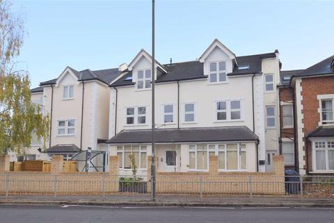 2 bedroom flat for sale - Merton Road, Wimbledon