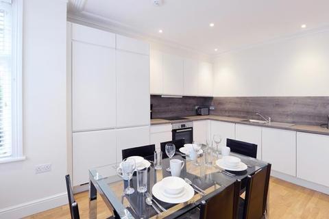 3 bedroom flat to rent - Hamlet Gardens, Hammersmith, W6