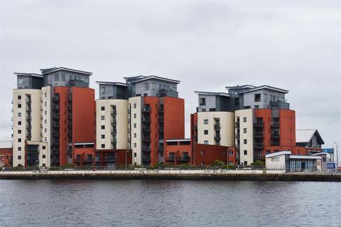 2 bedroom flat for sale - Kings Road, Swansea