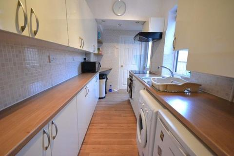 3 bedroom terraced house to rent - Clifton Road, Aylestone, Leicester, LE2 8AA