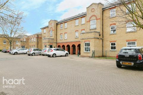 2 bedroom flat - Harston Drive, Enfield