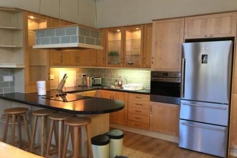 4 bedroom townhouse to rent - 21 Hamilton Park Avenue, Glasgow G12 8DS