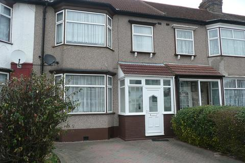 3 bedroom terraced house to rent - Leicester Gardens, Seven Kings, Ilford IG3