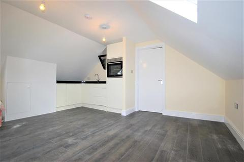 1 bedroom flat to rent - Collier Row Lane , Romford , Essex, RM5 3ND