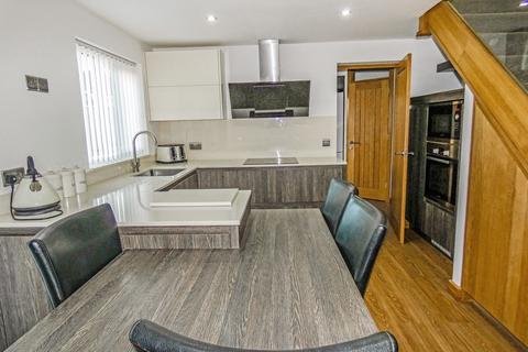 4 bedroom semi-detached house to rent - Orchid Close, Ashington, Northumberland, NE63 8JL