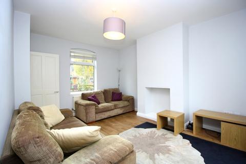 3 bedroom semi-detached house to rent - Chapel House, Docklands, London E14