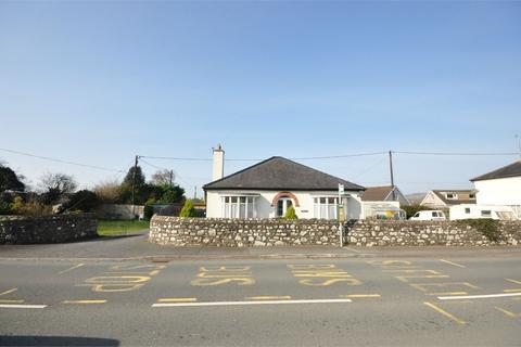2 bedroom detached bungalow for sale - Bryncrug, Tywyn, Gwynedd