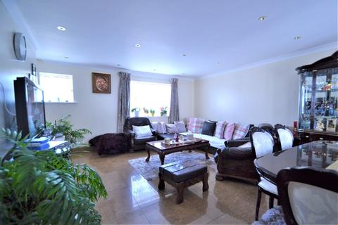 3 bedroom semi-detached house to rent - Dollis Hill Avenue, London