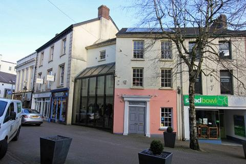 Property to rent - Nott Square, Carmarthen