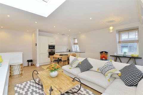 2 bedroom flat to rent - Charlotte Street, London