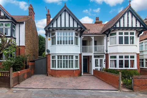 4 bedroom semi-detached house to rent - Broadstairs