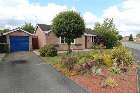 3 bedroom detached bungalow to rent - Trentham Road, Wem