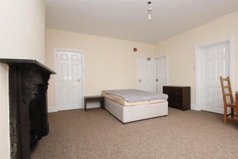 Studio to rent - Newbridge Road, Bath, BA1
