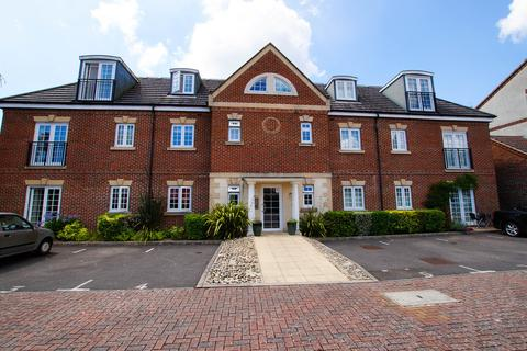 2 bedroom apartment to rent - Wolfe Close, Chichester