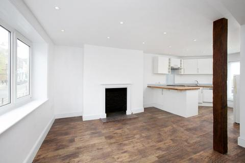 3 bedroom flat to rent - Hill Rise, Richmond TW10