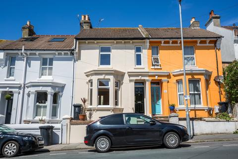 4 bedroom terraced house to rent - Sutherland Road, Brighton