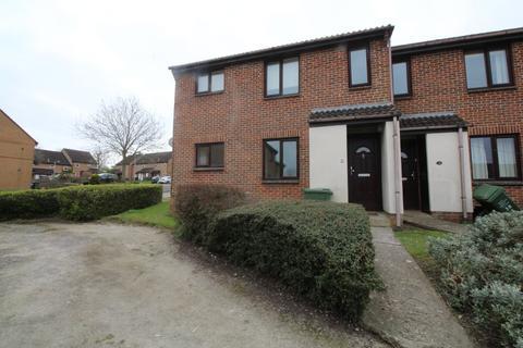 1 bedroom ground floor flat to rent - Highgrove Close, Calne