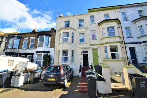 8 bedroom terraced house for sale - Godwin Road, Cliftonville