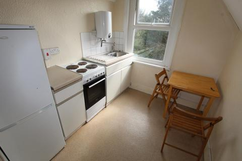 Studio to rent - St Peters Road, South Croydon, CR0