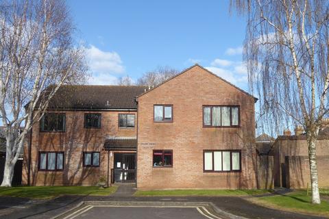 1 bedroom flat to rent - Priory Court, Taunton