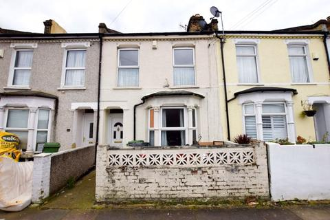 3 bedroom terraced house for sale - St. Margarets Terrace, Plumstead, SE18