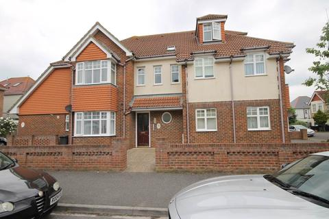 2 bedroom apartment to rent - Pinecliffe Avenue , Southbourne , Bournemouth