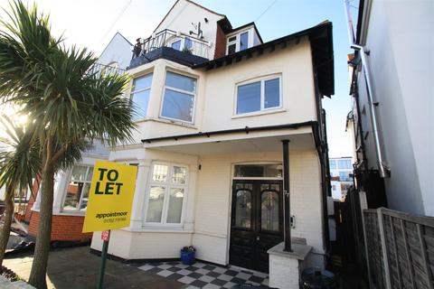 2 bedroom flat to rent - Leigh Cliff Road, Leigh-On-Sea