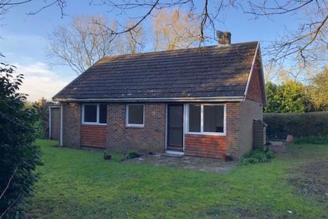 2 bedroom detached bungalow to rent - The Street, Selmeston, East Sussex