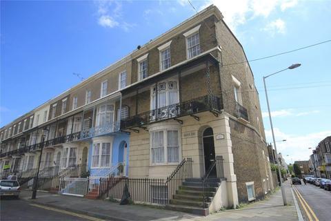 2 bedroom flat for sale - Augusta Road, Ramsgate