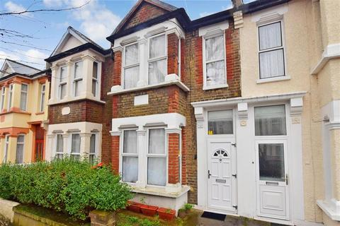 3 bedroom terraced house for sale - Bristol Road, Forest Gate, London