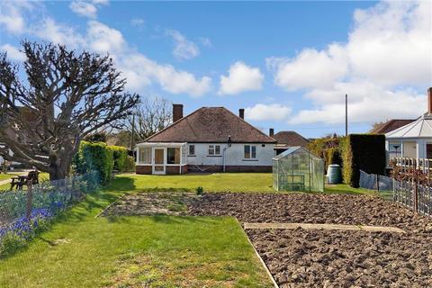 3 bedroom detached bungalow for sale - Queens Way, Dymchurch, Romney Marsh, Kent
