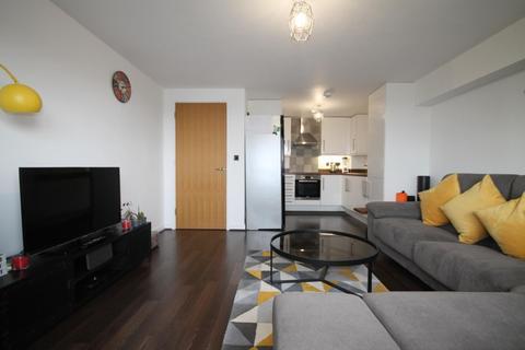 1 bedroom flat to rent - Bertelli Place, Mono Lane, Feltham, TW13