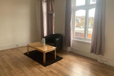 2 bedroom flat to rent - Topsfield Parade, London N8 8PR