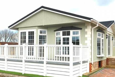 2 bedroom park home for sale - Rookery Drove Residential Park, Suffolk