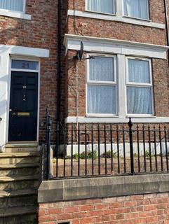 3 bedroom flat for sale - Brighton Road, Gateshead, Tyne & Wear, NE8 1XQ