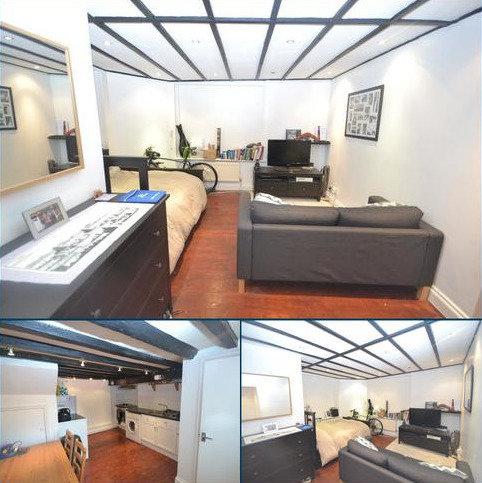 Studio to rent - Station Road BR5