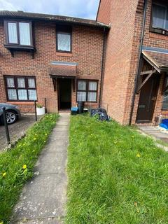 2 bedroom terraced house to rent - Goldhaze Close , Woodford Green, London IG8