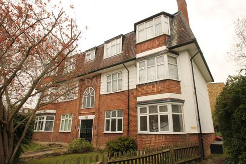 2 bedroom flat to rent - Churchfields, South Woodford E18
