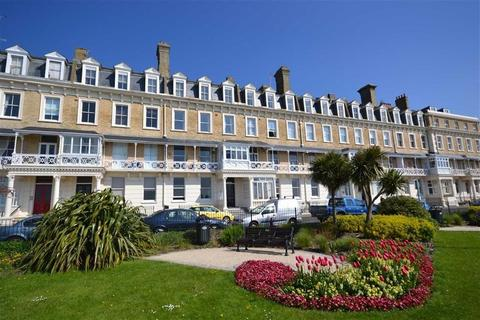 1 bedroom apartment to rent - Heene Court Mansions, Heene Terrace