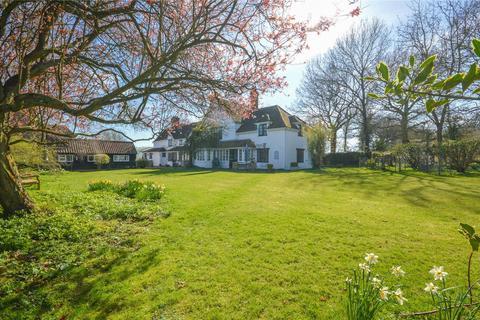 6 bedroom detached house for sale - Henham Road, Debden Green, Nr Saffron Walden, Essex, CB11