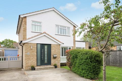 4 bedroom detached house to rent - Burrows Close, Bookham